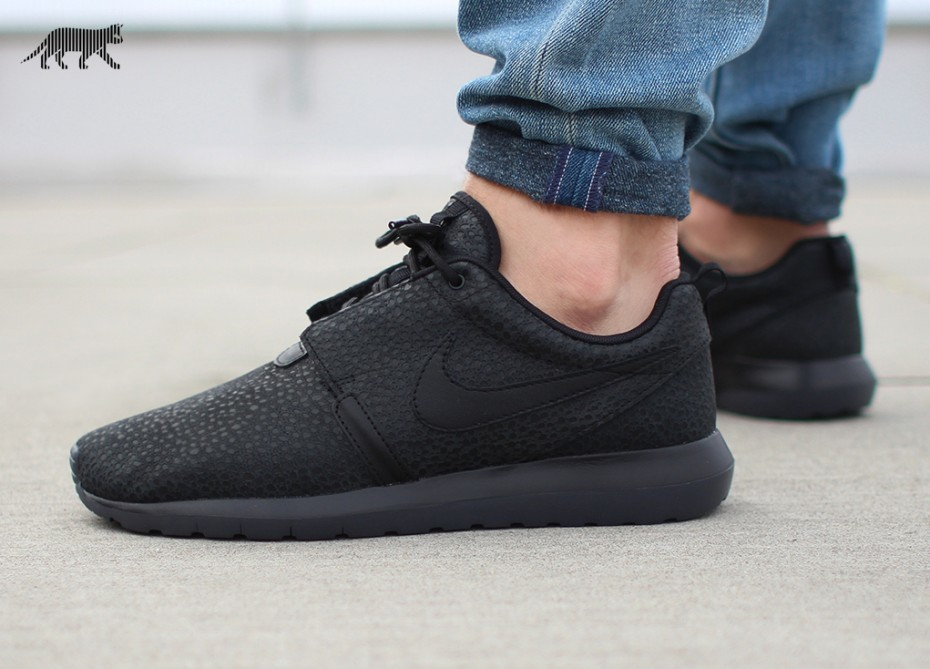 Nike roshe run nm black safari 1